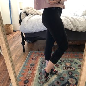 2/$25Calia by Carrie Underwood Capri Yoga Legging